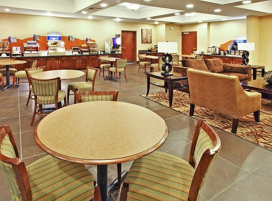 Holiday Inn Express & Suites Carthage: Restaurant