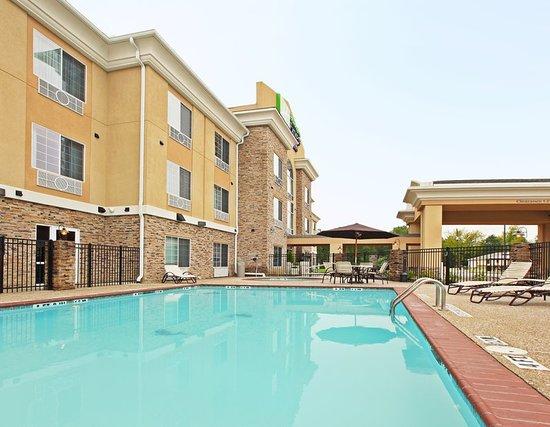 Carthage, TX: Pool