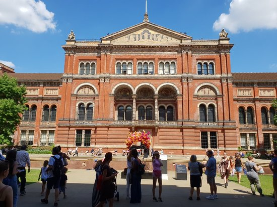 va victoria and albert museum 20180723_114541_largejpg