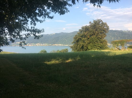 Risch, Schweiz: Hier ga je dan lekker eten!
