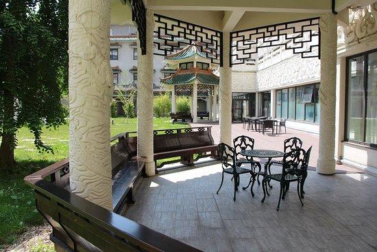 Huatian Chinagora Hotel