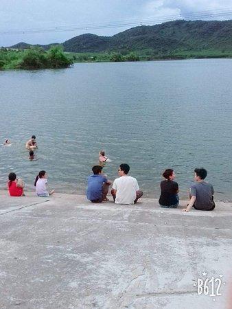 Tỉnh Nghệ An, Việt Nam: Khe Lau lake