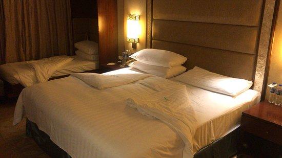 Shangri-La's Mactan Resort & Spa: Triple Occupancy