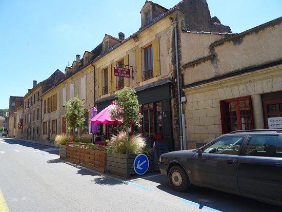 Un Air De Campagne: Le restaurant et sa terrasse