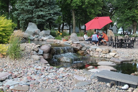 Round Lake, MN: Generous outdoor seating for the good weather!