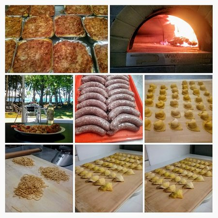Pizzeria Cahuita: Our hand made pastas, our home made sausage and seafoods fride......and much more...