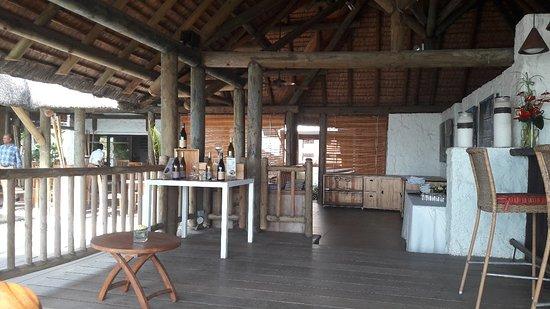 Le Sakoa Hotel: The Oak Restaurant at Sakoa Hotel