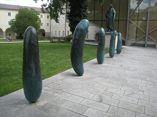 ‪Gherkins Sculpture‬