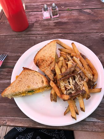 Farmhouse Madeline Island: Grilled cheese goodness!