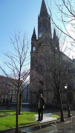 Buen Pastor Cathedral : Su frontis