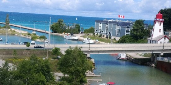 Kincardine, Canada: Looking out to the harbor