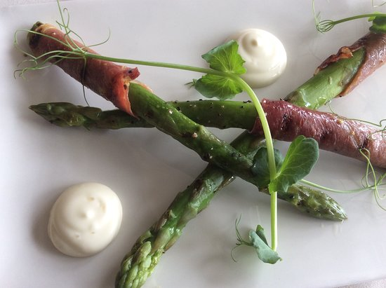 The Highmoor Restaurant: summer special.. Formby asparagus with Parma ham