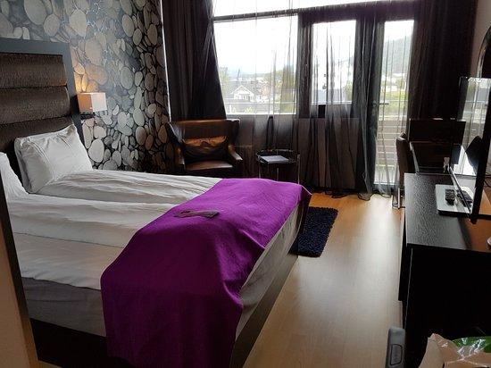 Ulsteinvik, Noruega: 20180719_164904_large.jpg