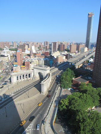 rooftop Manhattan Bridge view