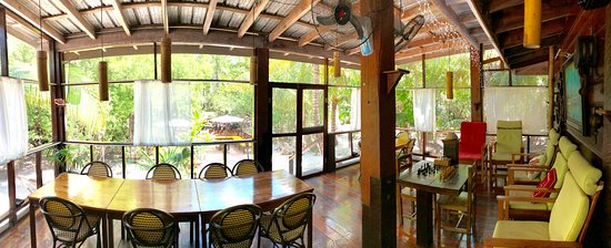 Long Caye, Belize: Outdoor lounge and dining