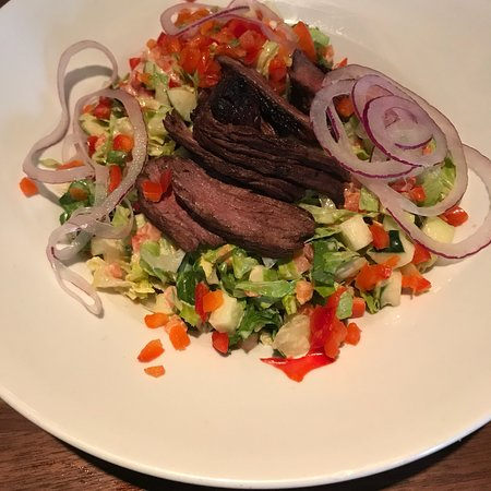 Max a Mia: House salad with steak $17