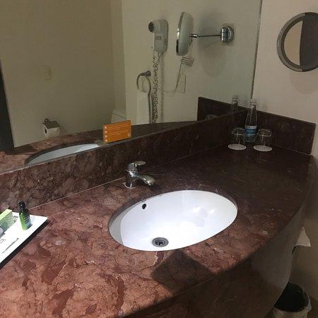 Real Inn Perinorte: photo2.jpg