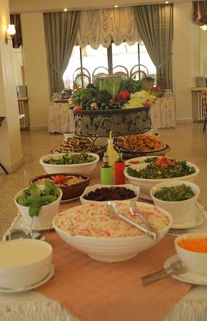 Bikfaya, Lebanon: Sunday Buffet