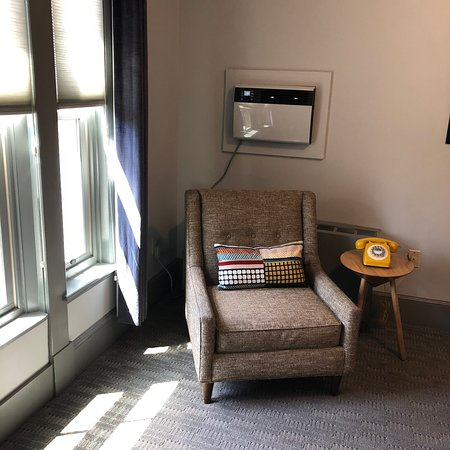 The Hotel Portsmouth : Room corner with window unit air conditioner that works great.