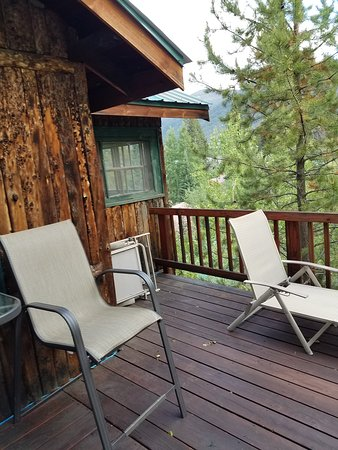 Grand Escape Cottages: Deck