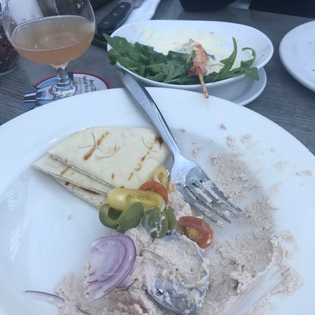 Red Eye Brewing Company: Margarita pizza and hummus delicious