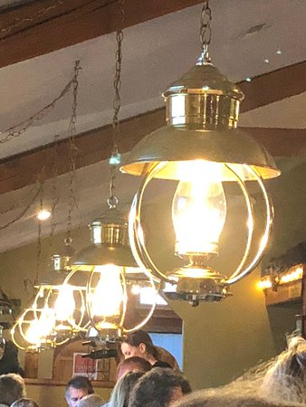 Victor, MT: lights over the tables