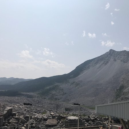 ‪Frank Slide Interpretive Centre‬