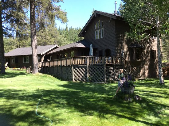 High Country Inn: The other end of the inn