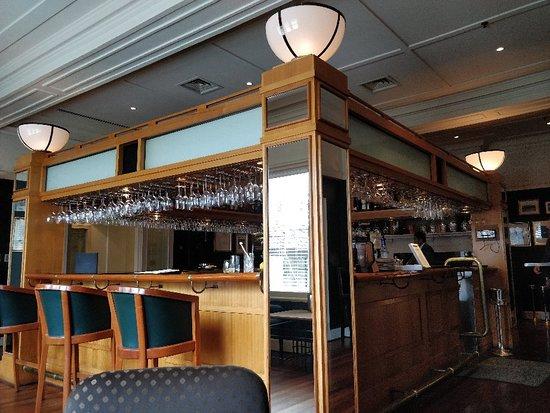 Speaker's Corner Bar