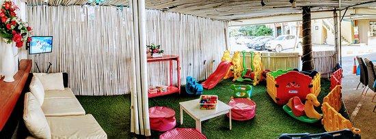 Hakan's Bar Restaurant: Kids playground