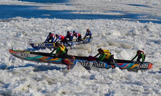 「Canoe sur la glace A quebec」の画像検索結果