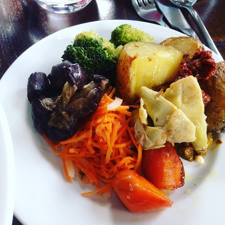 Eden Hall Day Spa: food from the buffet