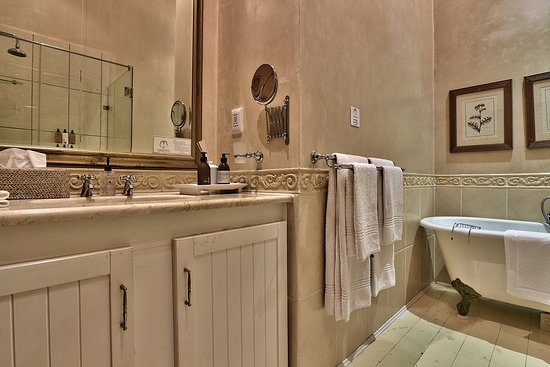 Parker Cottage: The Von Veh Bathroom - Shower and separate bath