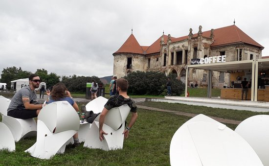 Bontida, Romania: Coffee at castle during EC festival