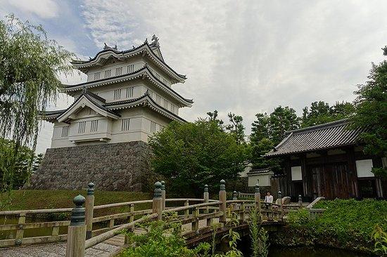 Gyoda, Japan: 櫓と橋と