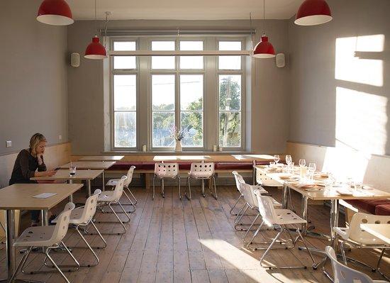 Osbk Gastro Pub In Mount Hawke Cornwall Gastro Pubs Summer Menu Orange Salad Dressings