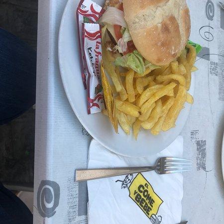 El come y bebe Photo