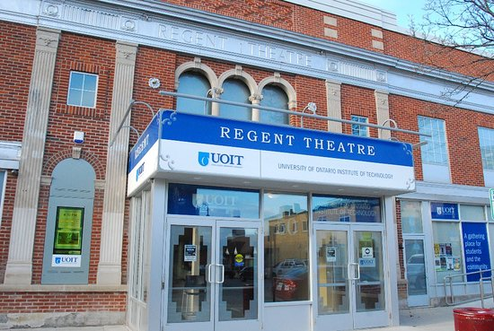 Oshawa, Canadá: Regent Theatre Exterior