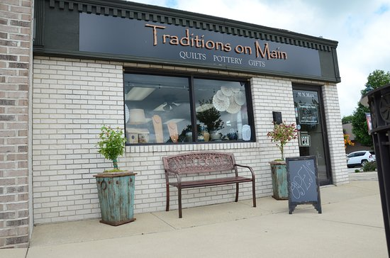 Manteno, IL: Traditions on Main