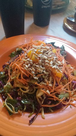 Delaney's Hole in the Wall: Oriental Salad