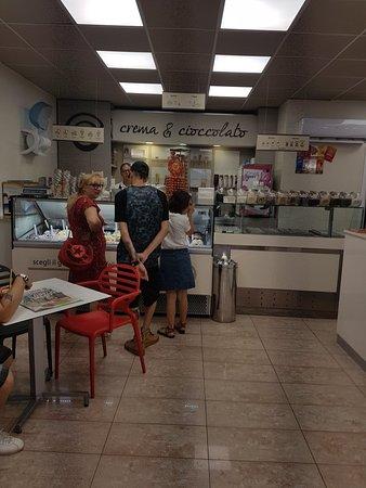 Quadrivio di Campagna, Италия: Crema e Cioccolato Campagna