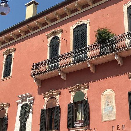 Palazzo Guglienzi-Brognoligo