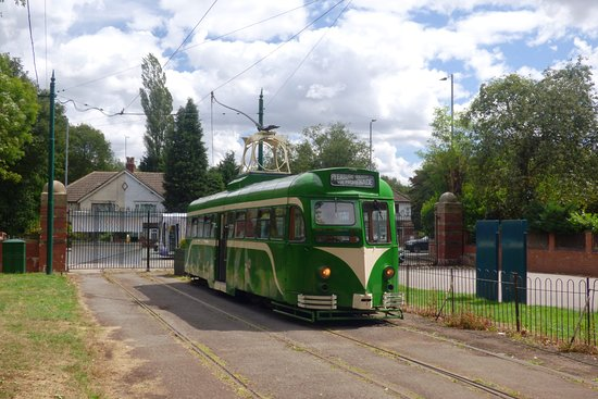 Prestwich, UK: Ex-Blackpool Railcar at the original terminus of the Heaton Park tramway