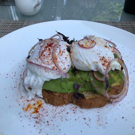 Rosewood Washington, D.C.: Killer avocado toast.