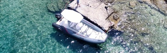 Pakostane, Croatia: New boat for day tours