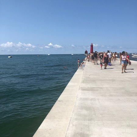Grand Haven Lighthouse and Pier: photo1.jpg