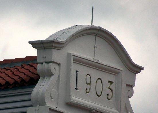 Jinrikisha Station