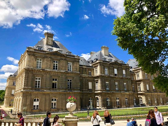 ‪Luxembourg Palace‬