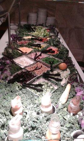Bow, WA: salad bar