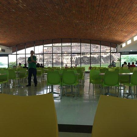 Centro Comercial Portal de San Felipe